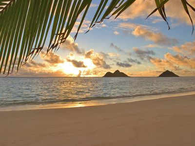 Sunrise over the Mokolua Islands, Kailua Beach