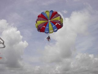 Grand Bahama Island condo photo - Parasailing