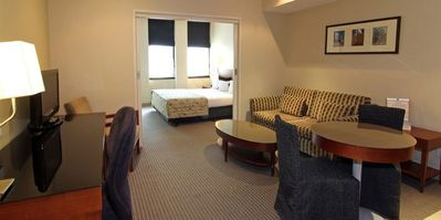 1 Queen Bed Apartment- In Melbourne A Short Walk to the Crown Casino