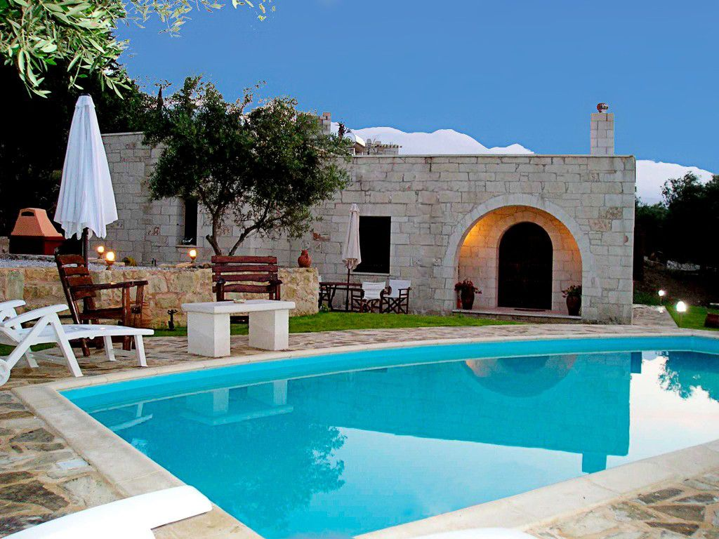 Traditional stone villa with nice view pool homeaway for Pool garden nice