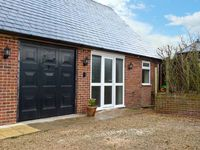 GREENLANDS COTTAGE, pet friendly, with a garden in Musbury, Ref 15009