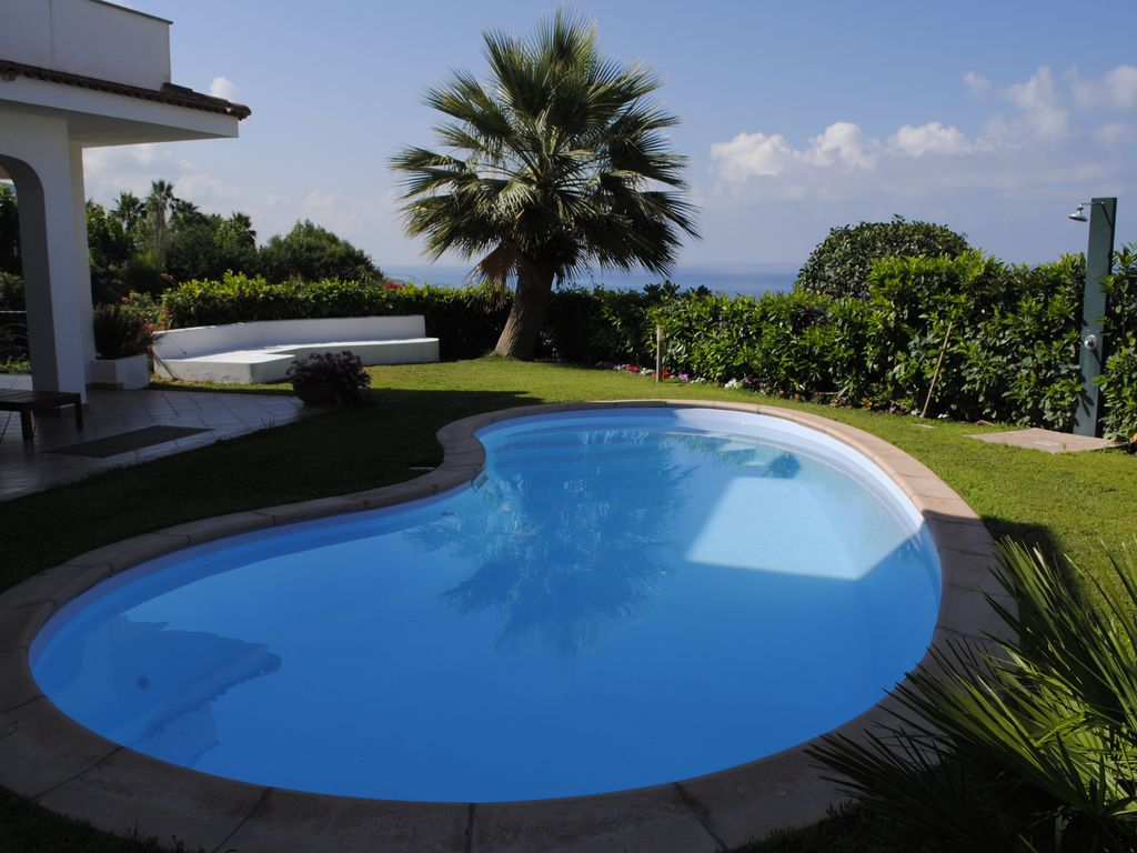 Cheap accommodation, with pool