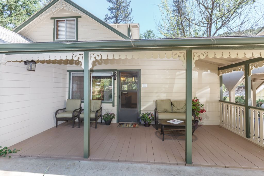 Yosemite vacation rental 30 minutes from vrbo for Yosemite vacation cabins
