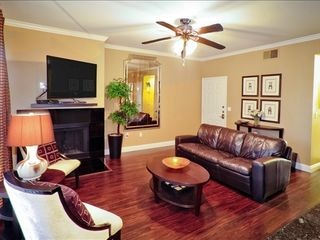 Kierland Scottsdale condo photo - Spacious Living room with flat screen TV