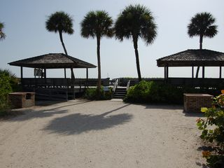 Vero Beach condo photo - Covered picnic areas at entrance to private beach