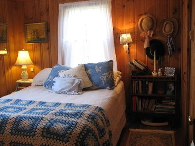New Harbor cottage rental - Master bedroom ...open the windows and listen to the ocean waves (queen size)