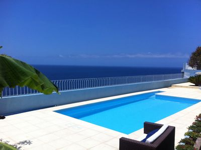 Huge solarium and seafront pool area in the heart of Funchal
