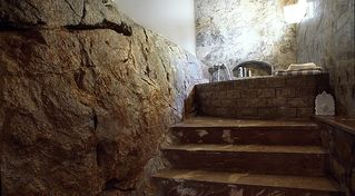 Hydra Island villa photo - Bathroom with natural rock