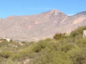 Views of the majestic Catalina Foothills Mountains from every sitting area.