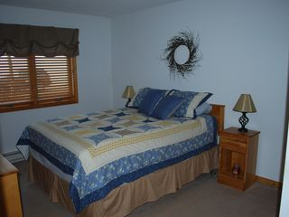 North Conway condo photo - Queen bed with plenty of dressers for all your stuff