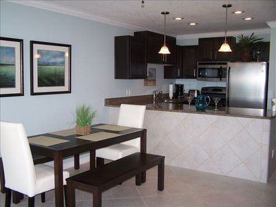 Wonderful kitchen/dining area. Granite, tile and stainless steel appliances.