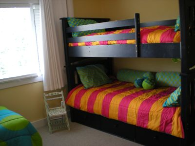 Bunk Beds with two twin beds