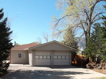 Colorado Springs house rental - View of house from street