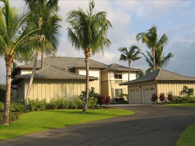 Mauna Lani condo rental - View of Palm Villa A1 Unit with Garage