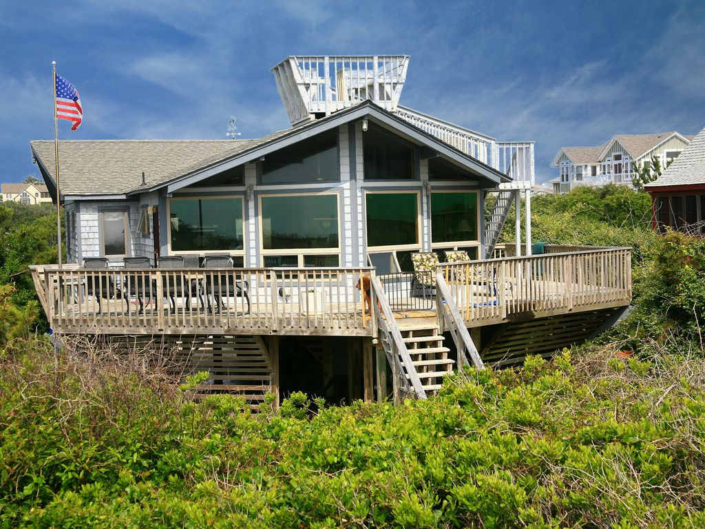 Fantastic ocean views private walkway to vrbo for Crows nest house plans