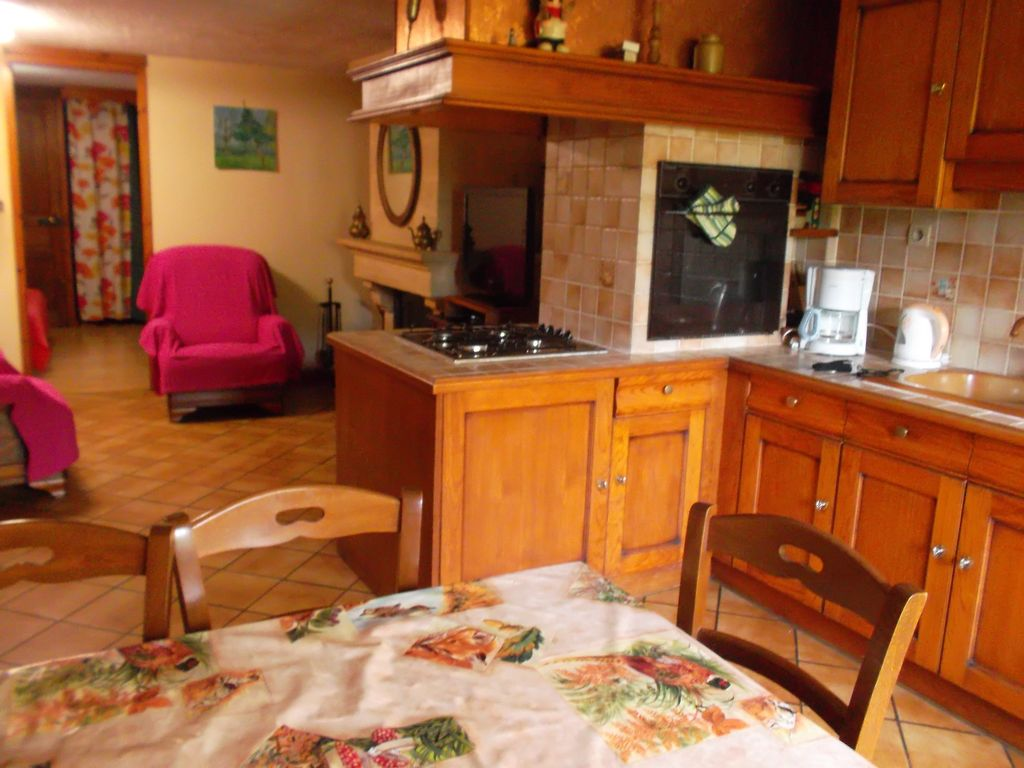 Peaceful accommodation, 45 square meters, recommended by travellers !