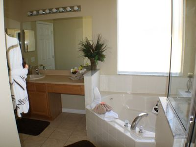 Seasons villa rental - Master Bathroom