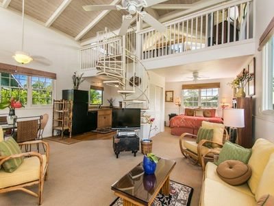 Spacious Cottage floor plan with 18 ft high ceilings and plantation decor.