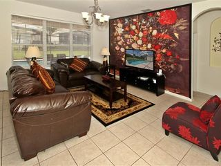 Windsor Hills house photo - Family Room with 51 inch 3D TV and Floral Mural