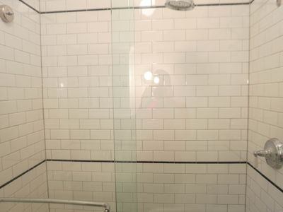 Classic NY Subway Tile Shower_High Pressure