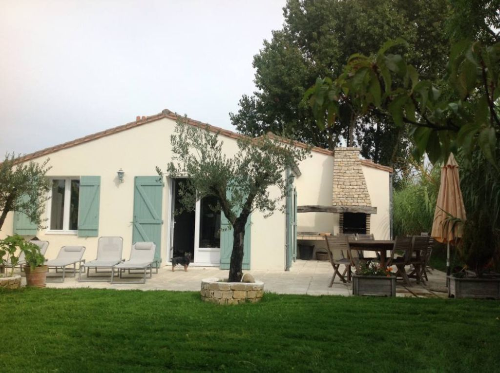 House, 100 square meters, close to the beach