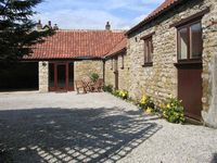 THE OLD COACH HOUSE, family friendly in Thornton-Le-Dale, Ref 1754