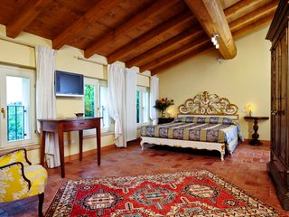 Verona City house photo - junior suite Gli Allori. from 155 € / night breakfast included