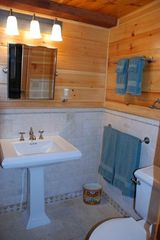 Quechee cabin photo - Master Bathroom