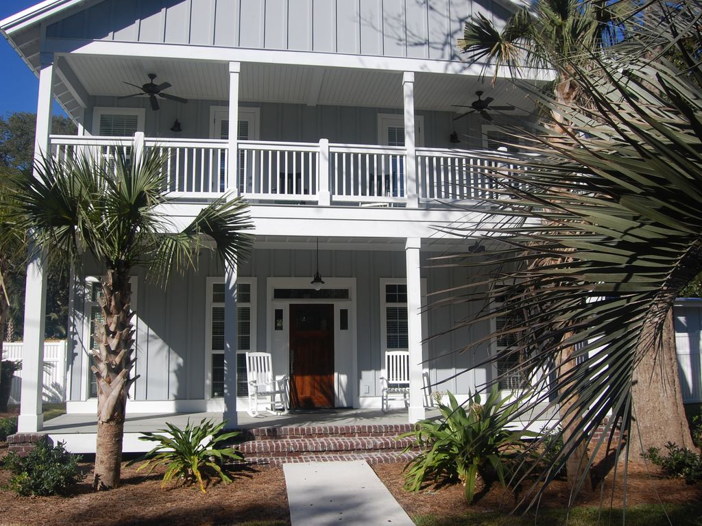Beach Walk Cottage With Pool Close To Beach Vrbo