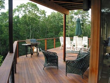 Second level deck