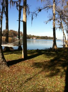 3 Tire Swings/2 Hammocks/DOCKS /Electris/Private Boat Ramp/Firepit/Fish Sink :)