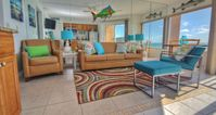 Hassle-free, Cozy 1 BR Beachfront Condo in Relaxed Belleair Beach!