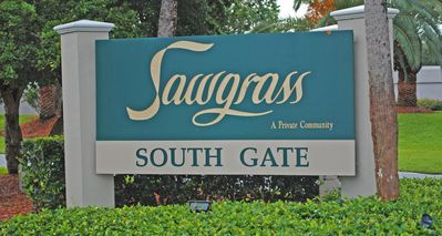 Sawgrass Country Club-east of A1A with private beach access