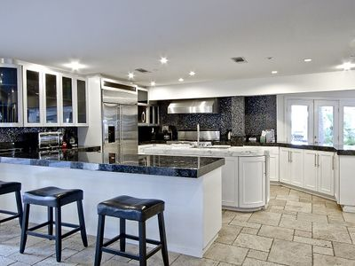 Modern Kitchen with Viking and GM Appliances