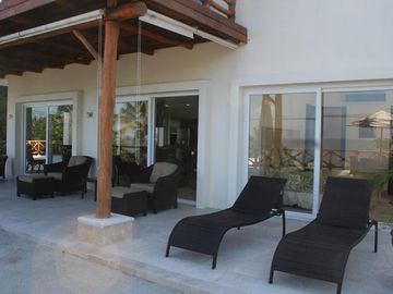 Sayulita condo rental - Lounge, enjoy the sun, fresh air and ocean view in our private terrace