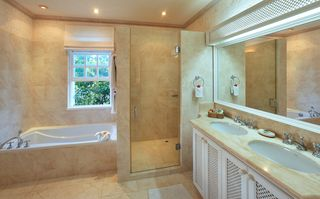 Sandy Lane villa photo - En suite master bathrooms have both tub and shower with double vanities