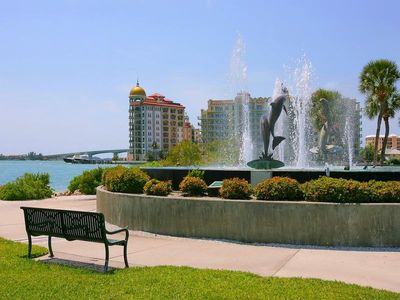 Sarasota house rental - Walk to Harbor. Fishing Charters, boat rentals, sunset Tiki Bar. Marina Jacks