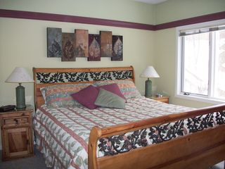 Glen Arbor condo photo - King-Size Bed.