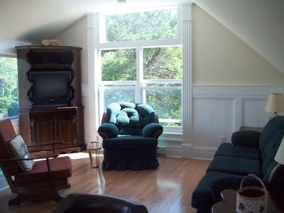 Tons of windows in open living room
