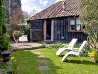 UPPER BARN STABLE, character holiday cottage in Reepham, Ref 2428