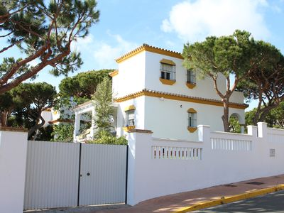 CHALET IN ZONE PRIVILEGED TO FIVE MINUTES WALK FROM THE BEACH.