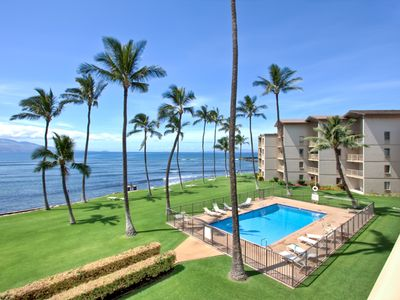 Maalaea condo rental - View of large heated pool