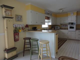 Avalon cottage photo - Kitchen counter with stool seating