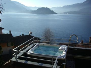 Varenna apartment rental - Della Fontana's Jacuzzi and Stunning View
