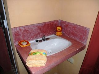 Merida studio photo - Wash basin