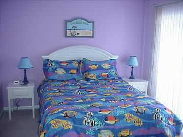 Comfortable Queen sized bed in the Master - overlooking the Lake-enjoy the deck!