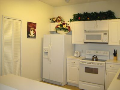 Formosa Gardens condo rental - Kitchen2