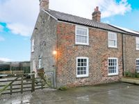 CLOSE HOUSE COTTAGE, pet friendly in Easingwold, Ref 13784