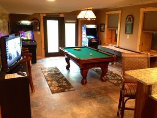 Black Mountain lodge photo - Game Room: Pool Table, Ping Pong, Shuffleboard, 2 Arcade Games, TV, & Wet Bar