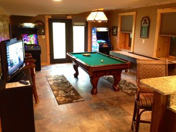 Game Room: Pool Table, Ping Pong, Shuffleboard, 2 Arcade Games, TV, & Wet Bar